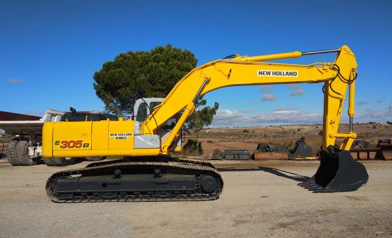 NEW HOLLAND E305B
