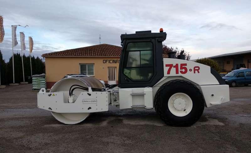 MAX COM R715